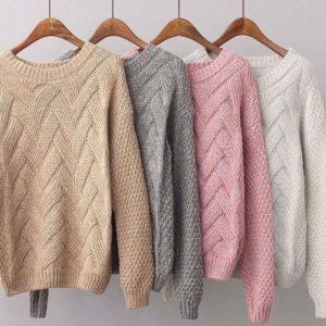Купити беж, сірий, пудра, білий в'язаний светр з V-подібним візерунком для жінок в інтернеті