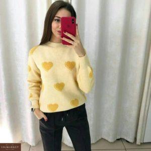 Купити жовтого кольору м'який жіночий теплий светр з сердечками онлайн