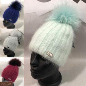 Заказать женскую пушистую шапку рубчик с помпоном недорого цвета бирюза, синюю, серую, бордо