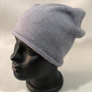 Заказать женскую серую шерстяную шапку с завернутым краем онлайн