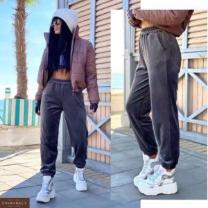 Купить серого цвета женские спортивные штаны из велюра на флисе (размер 42-52) по скидке
