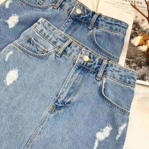 Заказать женскую голубую асимметричную юбку из джинса с необработанным краем на весну выгодно
