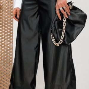 Купить женские брюки кюлоты из эко кожи черного цвета с поясом (размер 42-48) по низким ценам