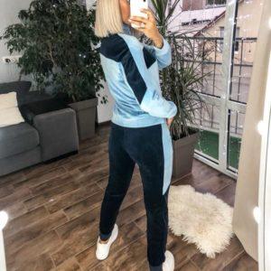 Заказать голубой костюм из велюра со свитером (размер 42-48) по скидке для женщин