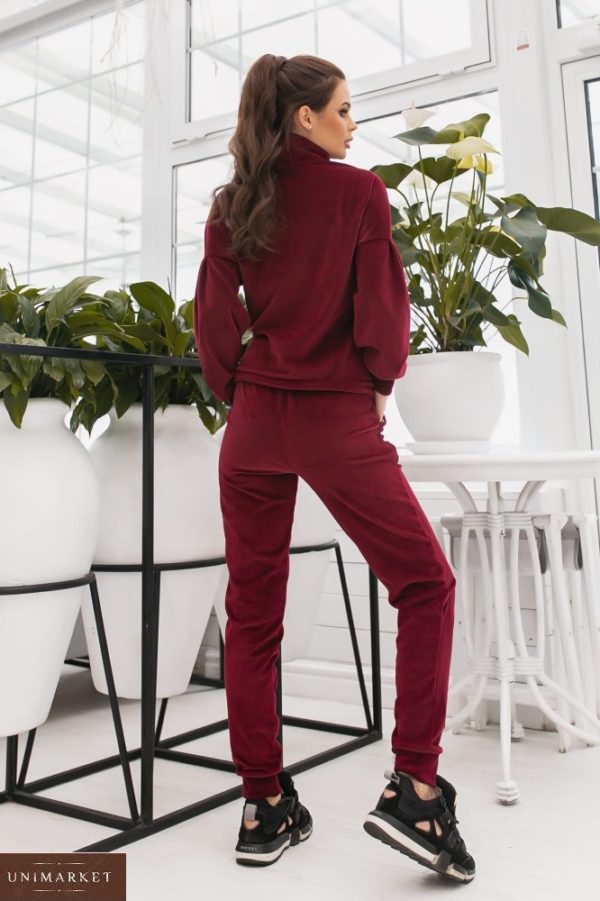 Приобрести в интернете спортивный костюм из велюра цвета бордо с объемными рукавами (размер 42-48) для женщин