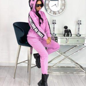 Заказать розовый женский спортивный костюм на флисе с надписью на рукавах (размер 42-48) по низким ценам