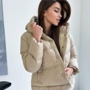 Купить женскую Куртка-трансформер бежевую на кнопках со змейками недорого