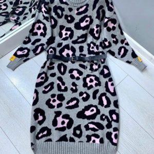 Заказать серое женское принтованное платье-гольф с шерстью на зиму по низким ценам