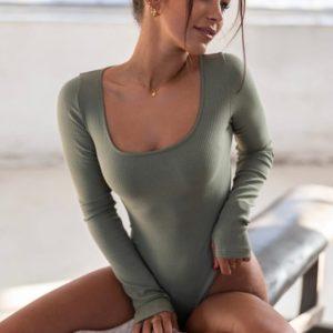 Заказать женское боди цвета хаки из трикотажа в рубчик с длинным рукавом (размер 42-48) недорого