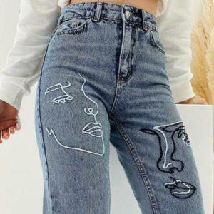 Приобрести дешево женские джинсы мом с вышивкой и высокой талией голубые