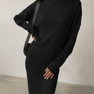 Заказать женский трикотажный черный костюм с юбкой и гольфом онлайн