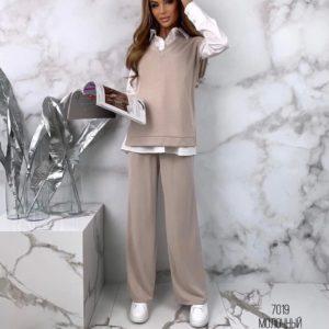 Заказать женский бежевый костюм из ангоры с белой рубашкой (размер 42-48) онлайн