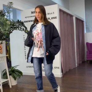 Купить черную удлиненную женскую плащевку с джинсовыми вставками по низким ценам