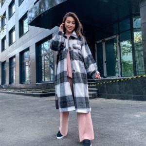 Купить женское пальто черно-белое из мягкого кашемира в рубашечном стиле онлайн