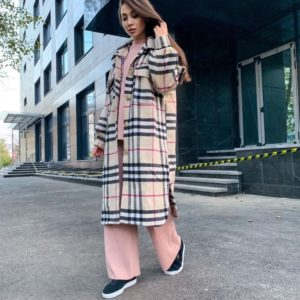 Заказать бежевое женское пальто из мягкого кашемира в рубашечном стиле в интернете