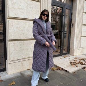 Приобрести выгодно серое женское стёганное пальто с капюшоном