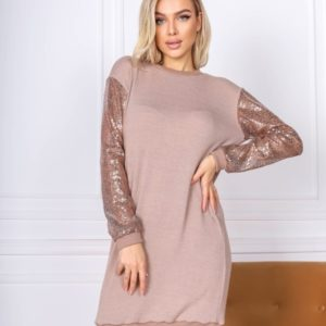 Заказать женское платье бежевое из ангоры с рукавами из пайетки недорого