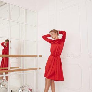 Купить женское алое шелковое платье с длинным рукавом и поясом (размер 42-48) по скидке