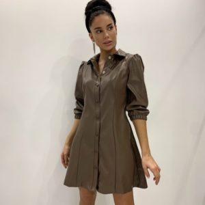 Заказать мокко женское платье-рубашка из эко кожи с рукавом 3/4 недорого