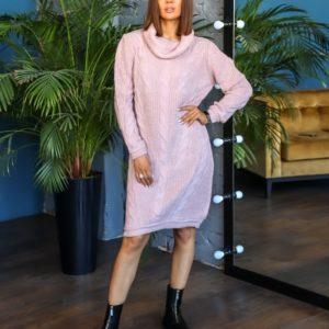 Заказать женское вязаное платье-свитер с люрексовой нитью (размер 44-50) цвета пудра по скидке