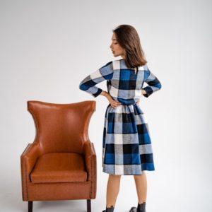 Приобрести по скидке синее шерстяное платье в клетку с талией на резинке (размер 42-48) для женщин