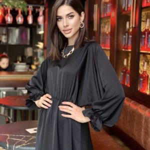 Приобрести черное в интернете свободное платье миди из креп-шелка (размер 42-48) для женщин