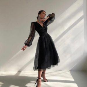 Приобрести черное женское платье с объемными рукавами с сеткой в горошек в интернете