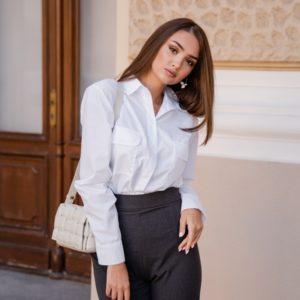 Заказать хлопковую для женщин белую рубашку с карманами (размер 42-48) онлайн
