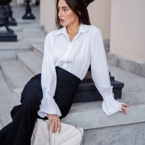 Заказать женскую белую рубашку с рукавами-колокольчиками (размер 42-48) онлайн