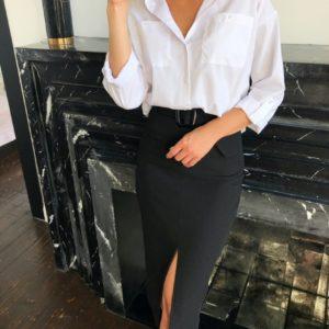 Приобрести выгодно женскую рубашку со спущенной линией плеча белого цвета с карманами