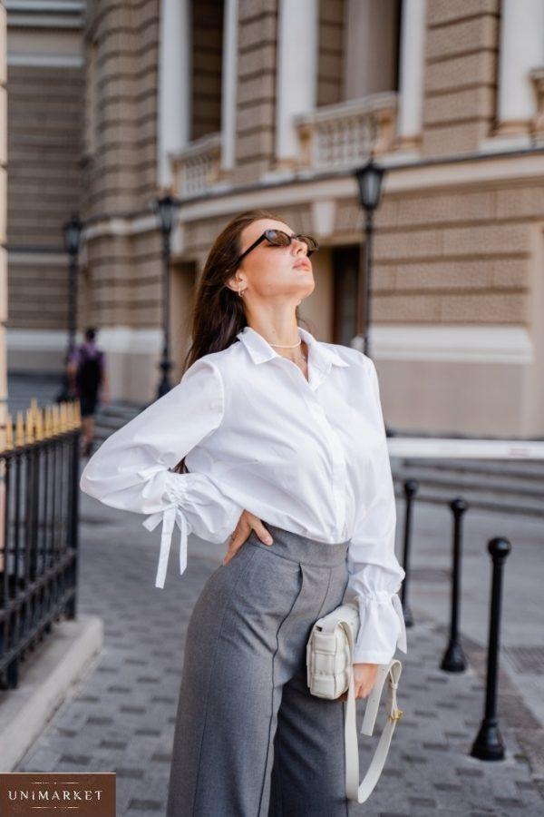 Купить выгодно белую рубашку с рукавами-колокольчиками (размер 42-48) для женщин
