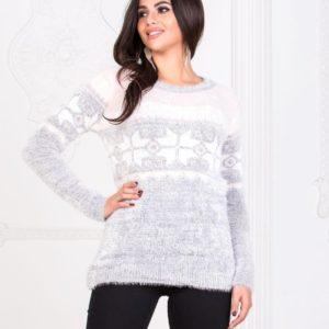 Заказать женский серый мягкий свитер с узором снежинки по скидке