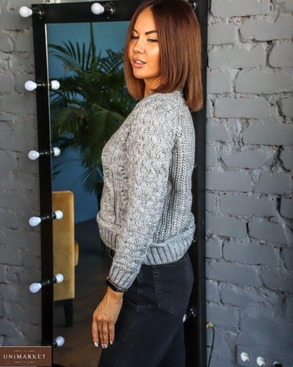 Заказать женский короткий серый вязаный свитер с люрексовой нитью (размер 42-48) по скидке