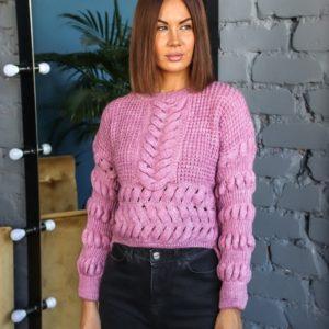 Купить сиреневый короткий свитер структурной крупной вязки для женщин по скидке