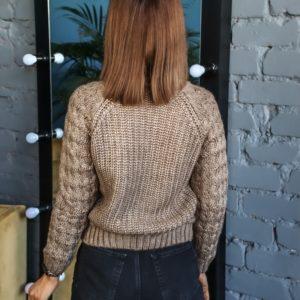Заказать недорого короткий вязаный свитер цвета мокко с люрексовой нитью (размер 42-48) для женщин