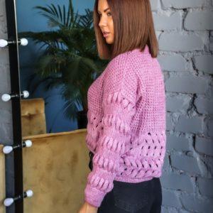 Приобрести онлайн сиреневый короткий свитер структурной крупной вязки для женщин