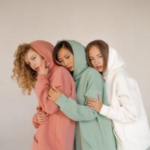 Приобрести онлайн женское худи oversize с двойным капюшоном цвета фисташка, молочный, пудра (размер 42-48)