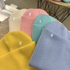 Заказать женскую и мужскую шапку двойную с подворотом из акрила разных цветов по скидке