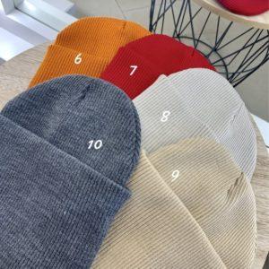 Купить онлайн женскую и мужскую шапку двойную с подворотом из акрила разных цветов