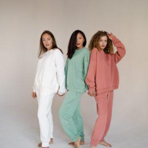 Купить выгодно женские штаны спортивные белые, пудра, фисташка oversize (размер 42-48)
