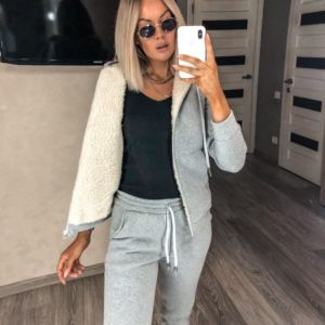Купить по скидке серый теплый спортивный костюм с кофтой на меху (размер 42-56) для женщин