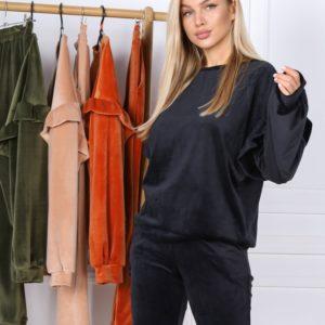 Купить по скидке черный велюровый женский костюм с рюшами на рукавах (размер 42-56)