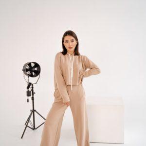 Купить женский спортивный костюм оверсайз бежевый с необработанными краями (размер 42-48) в интернете