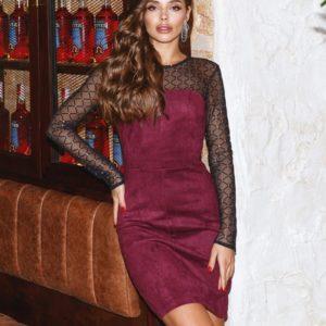Купить женское замшевое платье онлайн с прозрачными длинными рукавами (размер 42-48) цвета марсала