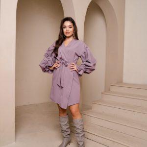 Заказать платье на запах с поясом цвета лаванда и объемными рукавами для женщин недорого