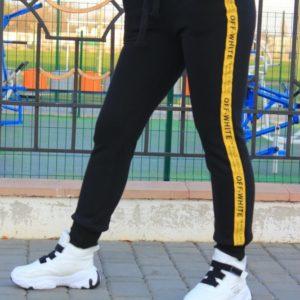 Купить по скидке женские теплые штаны с лампасами Off White (размер 42-48) черного цвета