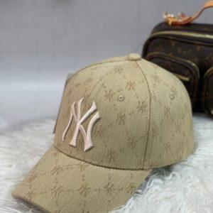 Заказать беж женскую и мужскую бейсболку New york с принтом выгодно