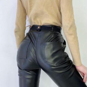 Заказать онлайн женские черные брюки из эко кожи с карманами (размер 42-48)