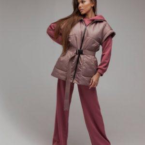 Купить бежевую женскую удлиненную жилетку из плащевки с поясом (размер 42-52) по низким ценам