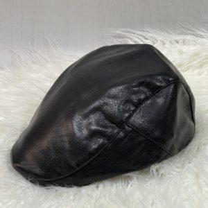 Купить онлайн женскую и мужскую кепку-берет из эко кожи черного цвета